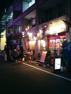 ムット・となりのお好み焼き屋.jpg